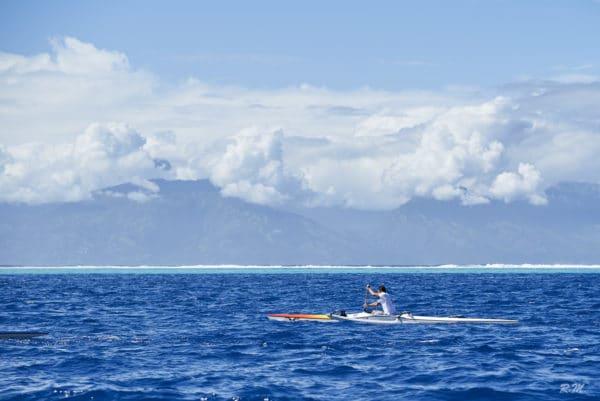 Taputu Temoana devant Tahiti, course Toa Moz Race 2019, photo prise au 85mm focale fixe